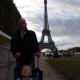 Romaric au pied de la Tour Eiffel