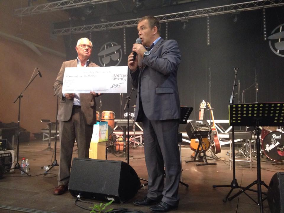 Remise cheque concert Groupama 1