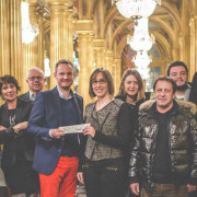 Remise cheque On croit au Pere Noel