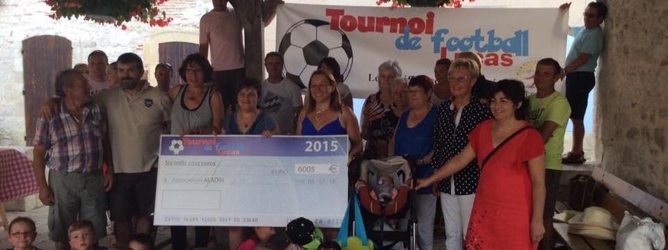 Remise cheque tournoi foot Lucas 2015-8